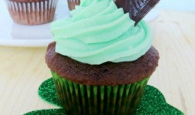 St. Patty's Day Cupcakes!  Super cute and tasty too!!