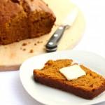 Slow-cooker-pumpkin-bread-3-cropped-906x1024